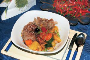 Lammfleisch mit Früchten